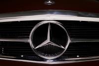 Mercedes-Benz 230 SL Pagoda